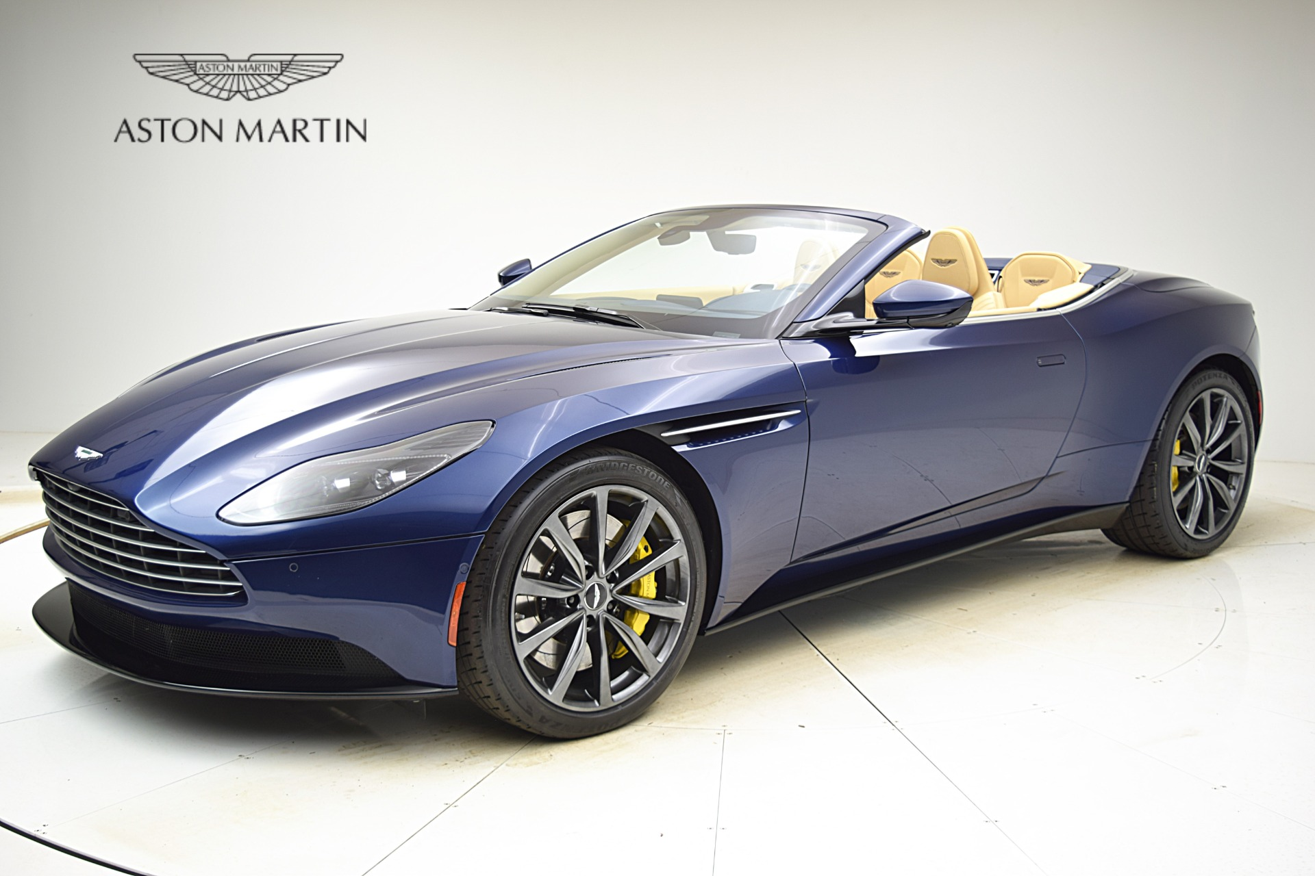 New 2019 Aston Martin DB11 Volante for sale $246,428 at F.C. Kerbeck Bentley Palmyra N.J. in Palmyra NJ 08065 2