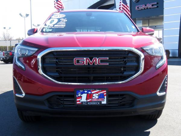 New 2019 GMC Terrain SLE for sale $32,965 at F.C. Kerbeck Bentley Palmyra N.J. in Palmyra NJ 08065 3