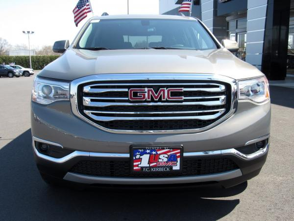 New 2019 GMC Acadia SLE for sale $34,104 at F.C. Kerbeck Bentley Palmyra N.J. in Palmyra NJ 08065 3