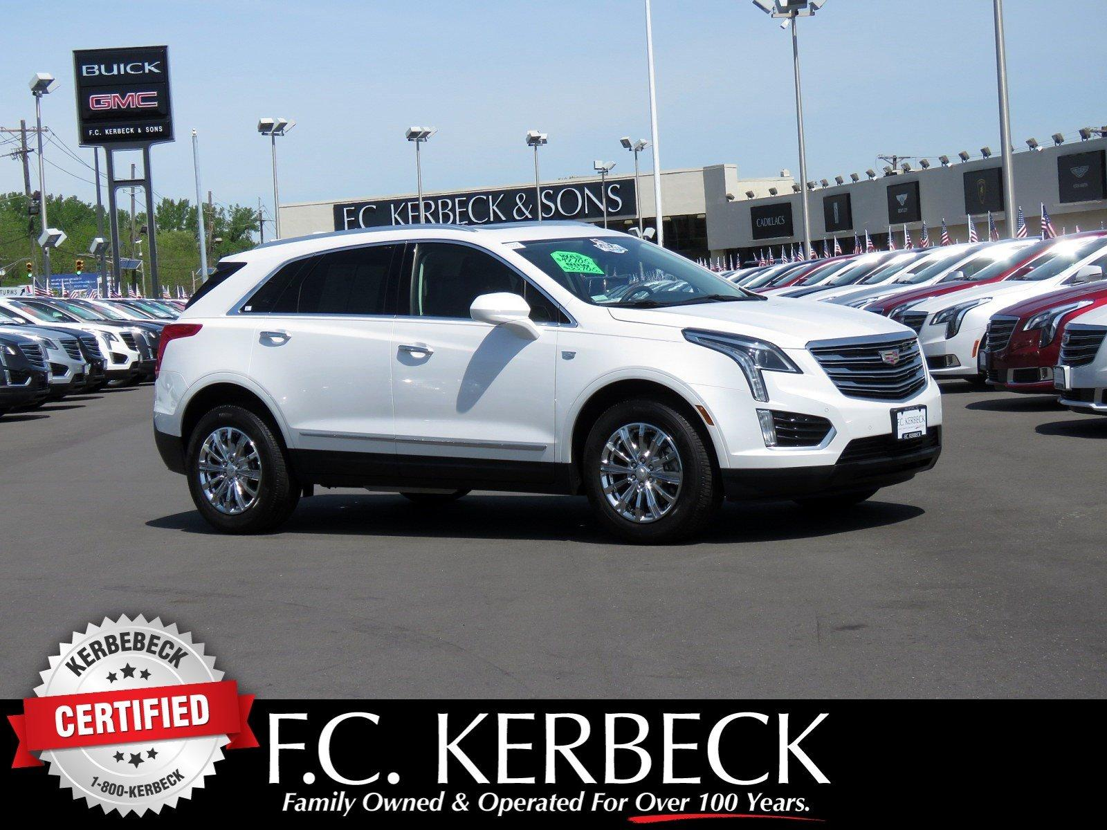 Used 2017 Cadillac XT5 Luxury FWD for sale Sold at F.C. Kerbeck Bentley Palmyra N.J. in Palmyra NJ 08065 1