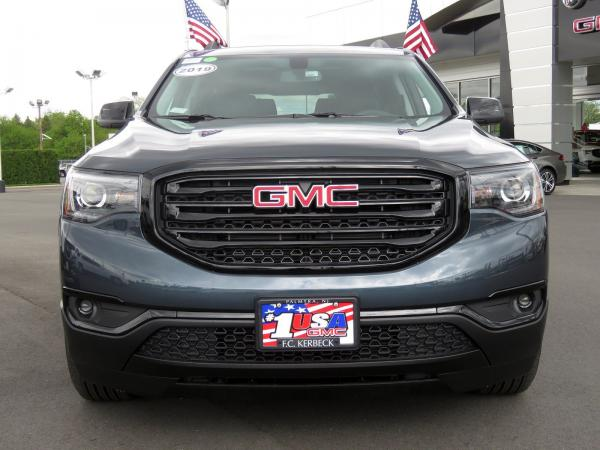 New 2019 GMC Acadia SLT for sale $43,080 at F.C. Kerbeck Bentley Palmyra N.J. in Palmyra NJ 08065 3