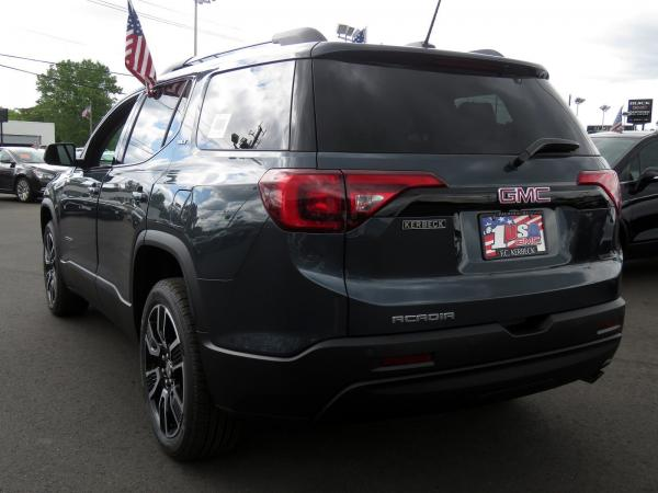 New 2019 GMC Acadia SLT for sale $43,080 at F.C. Kerbeck Bentley Palmyra N.J. in Palmyra NJ 08065 4