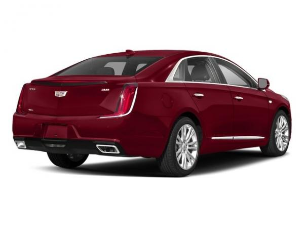 Used 2018 Cadillac XTS Luxury for sale $30,550 at F.C. Kerbeck Bentley Palmyra N.J. in Palmyra NJ 08065 3