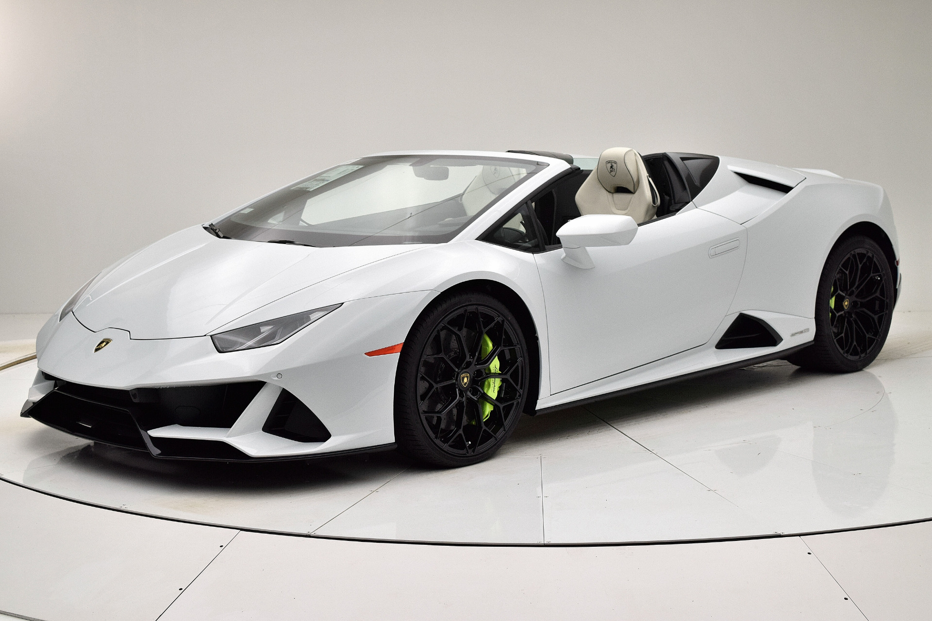 New 2020 Lamborghini Huracan EVO Spyder for sale $325,145 at F.C. Kerbeck Bentley Palmyra N.J. in Palmyra NJ 08065 2