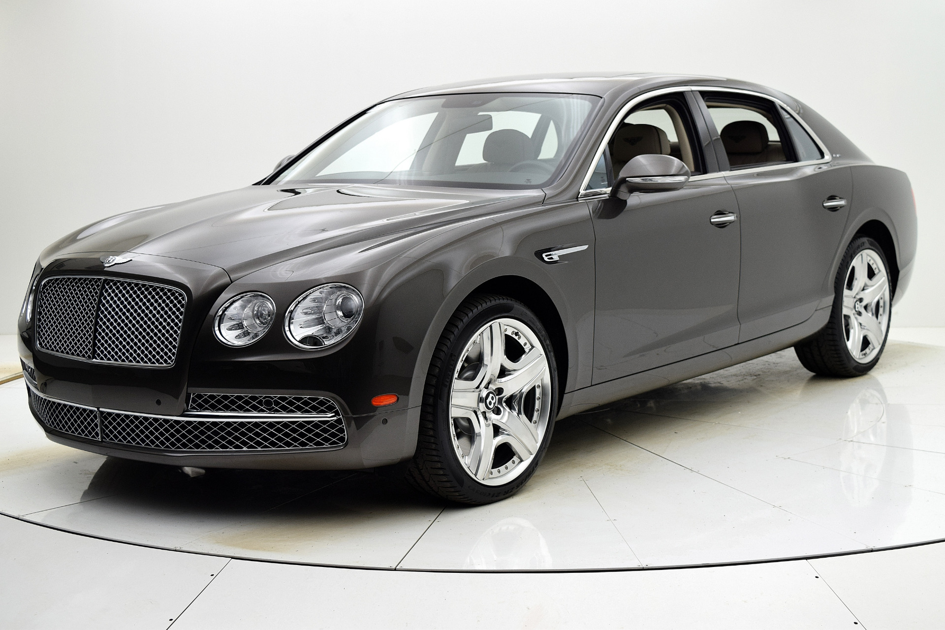 Used 2014 Bentley Flying Spur W12 for sale Sold at Bentley Palmyra N.J. in Palmyra NJ 08065 2