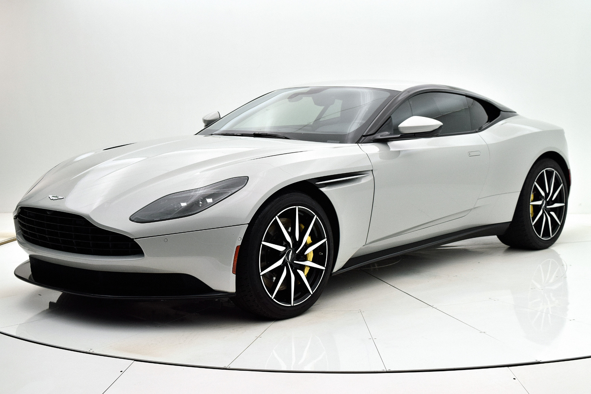 Used 2018 Aston Martin DB11 V8 Coupe for sale $165,880 at Bentley Palmyra N.J. in Palmyra NJ 08065 2