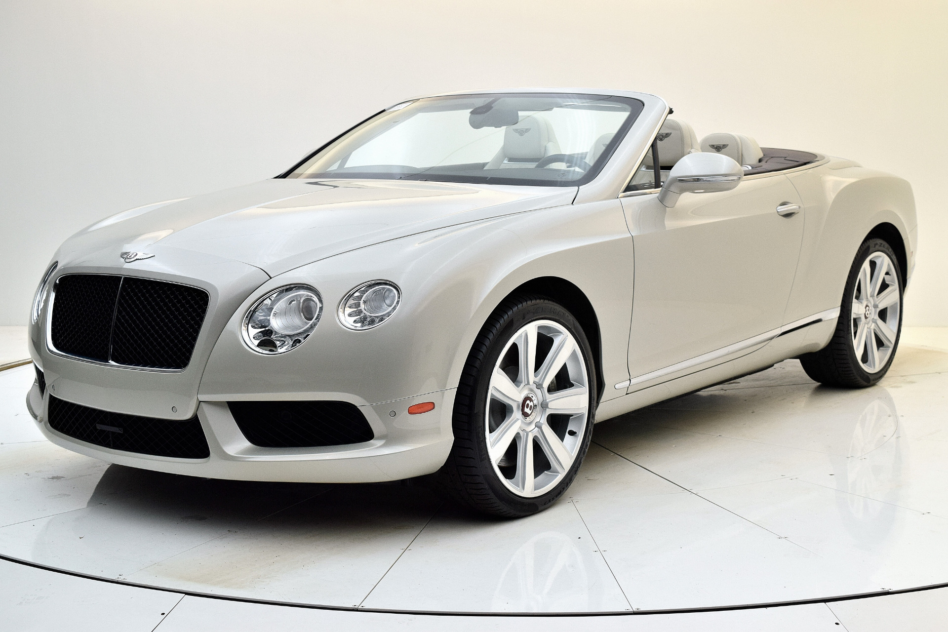 Used 2013 Bentley Continental GT V8 Convertible for sale Sold at Bentley Palmyra N.J. in Palmyra NJ 08065 2