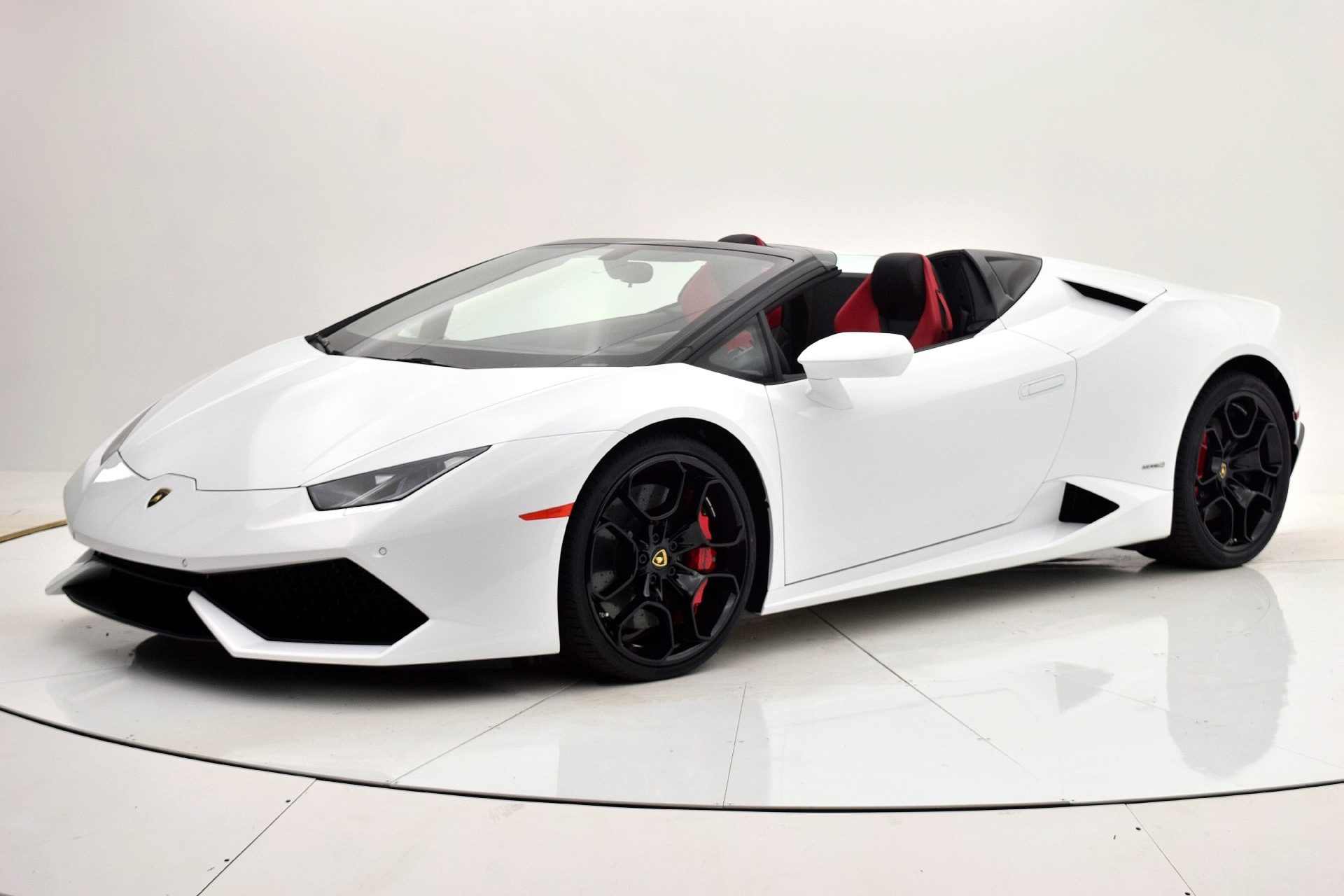 Used 2016 Lamborghini Huracan LP 610-4 Spyder for sale Sold at F.C. Kerbeck Bentley Palmyra N.J. in Palmyra NJ 08065 2