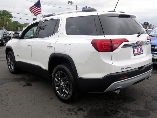 New 2019 GMC Acadia SLT for sale $43,365 at F.C. Kerbeck Bentley Palmyra N.J. in Palmyra NJ 08065 4