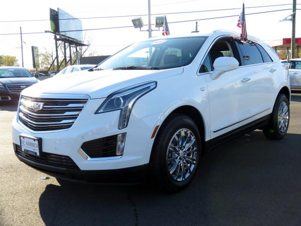 Used 2017 Cadillac XT5 Luxury FWD for sale $33,640 at F.C. Kerbeck Bentley Palmyra N.J. in Palmyra NJ 08065 4