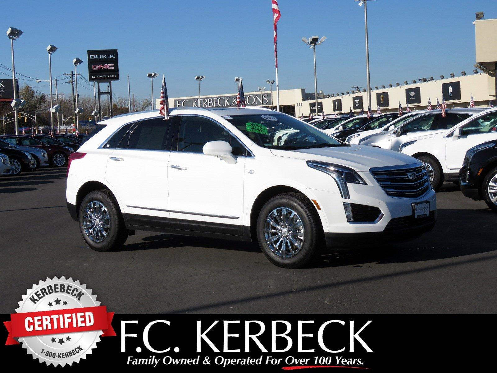 Used 2017 Cadillac XT5 Luxury FWD for sale $33,640 at F.C. Kerbeck Bentley Palmyra N.J. in Palmyra NJ 08065 1